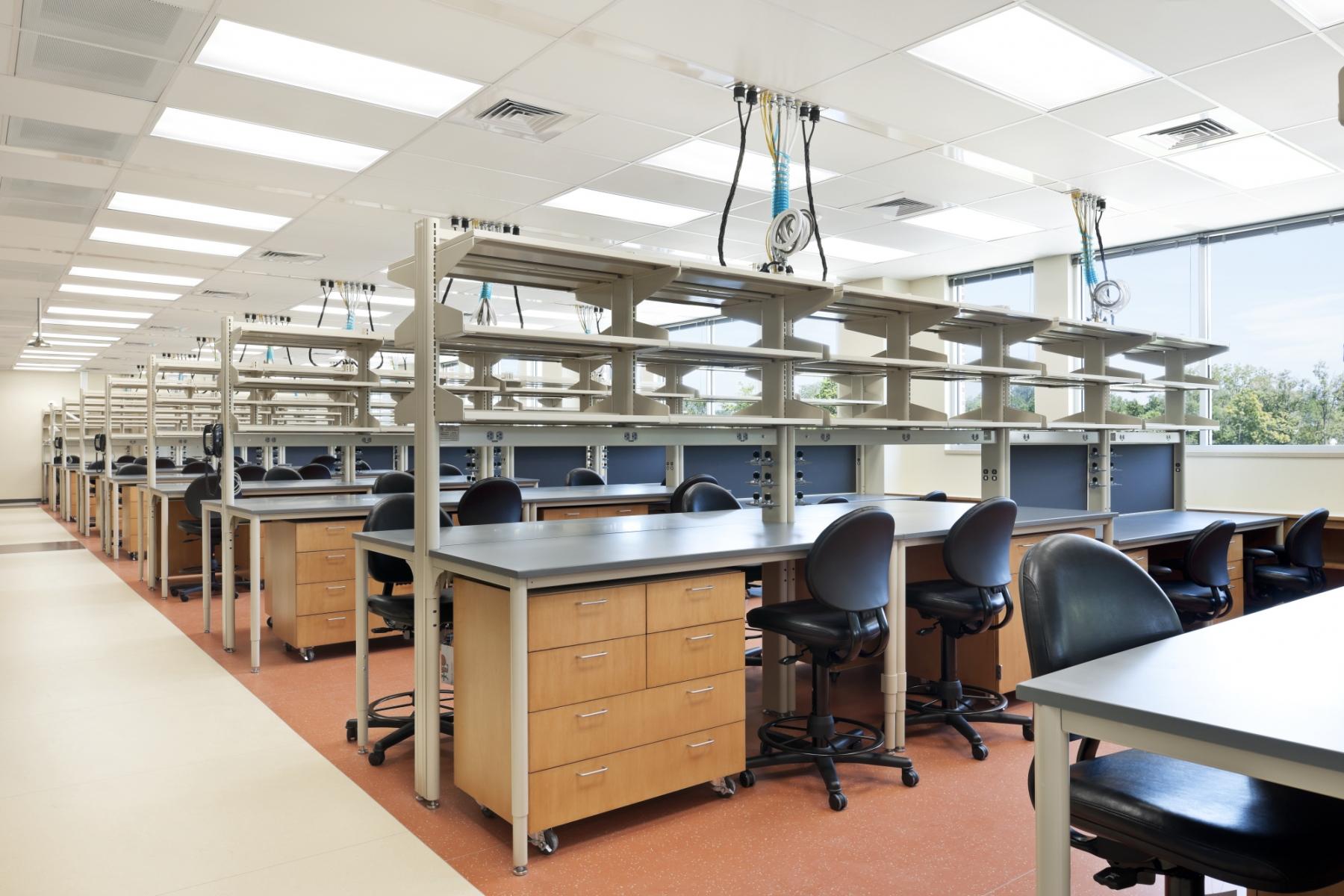 VTC-med-school-lab-space